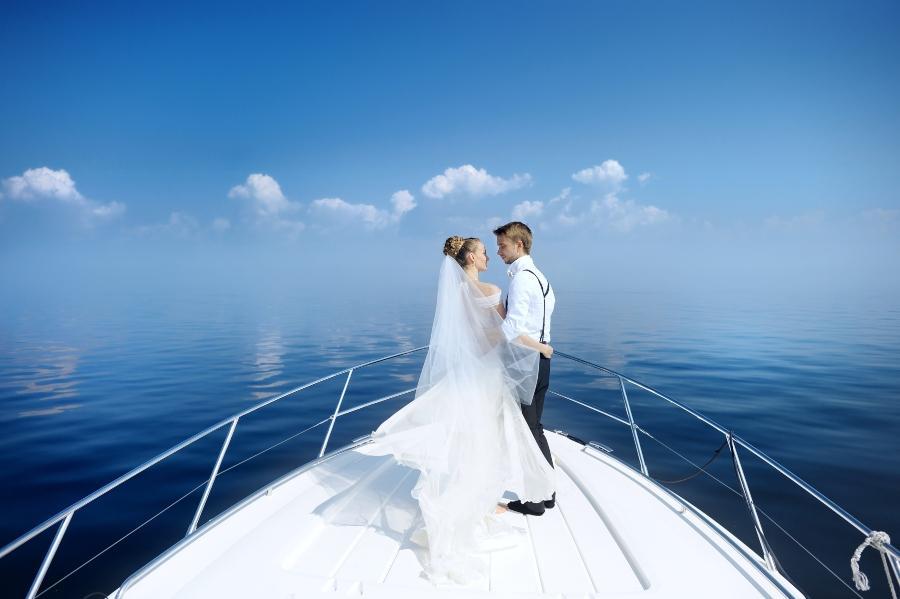 Hochzeit feiern auf Hausboot oder Segelyacht