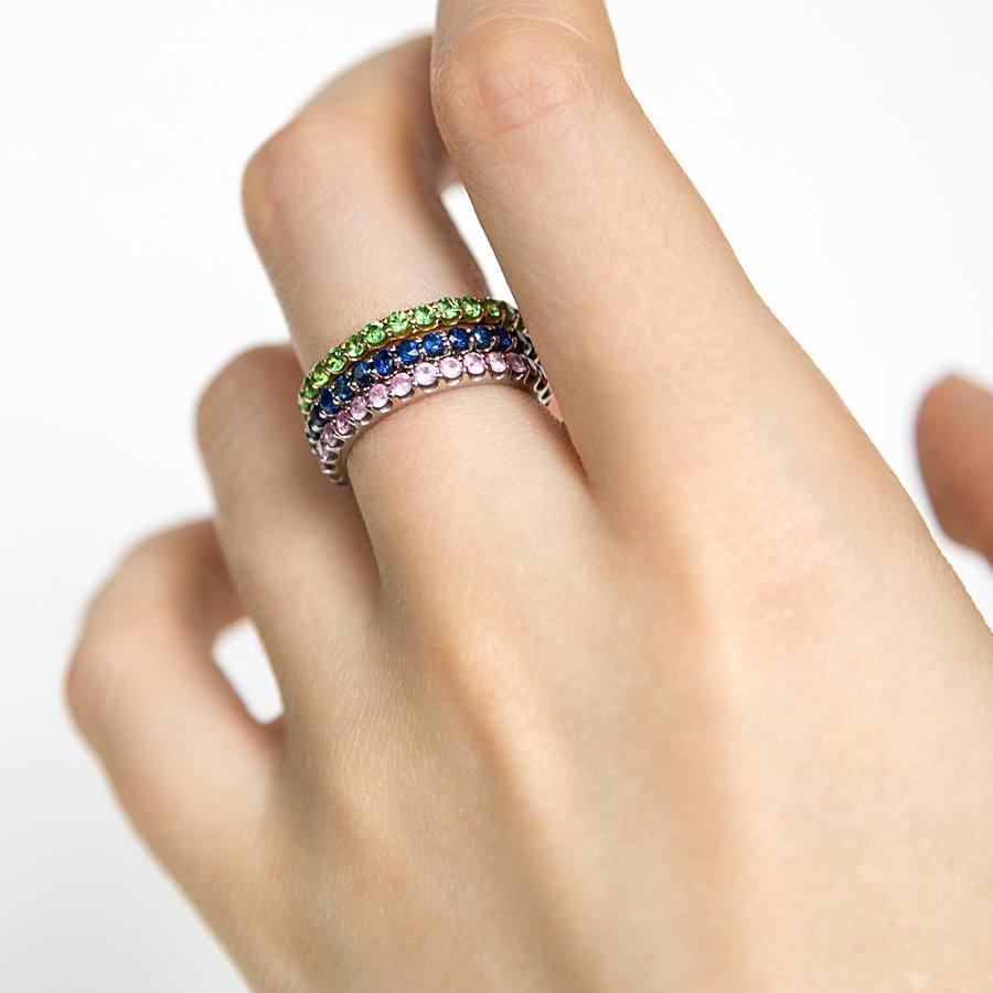 Bring ein bisschen Farbe in Dein Leben, und an Deine Finger Memoire-Ringe