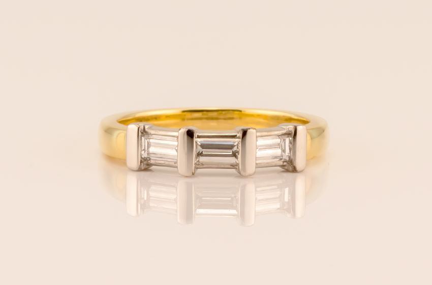 Ring mit Baguetteschliff