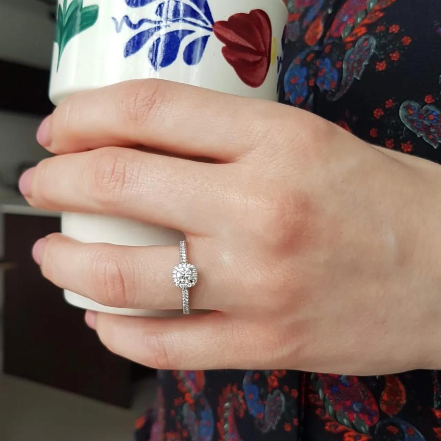verlobungsring-platin-whispering-love-0-45-ct-diamant