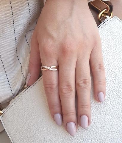 schmuckring-weissgold-brooklyn-0-16ct-diamant