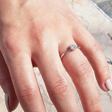 Julieta, Verlobungsring aus Platin mit Diamant