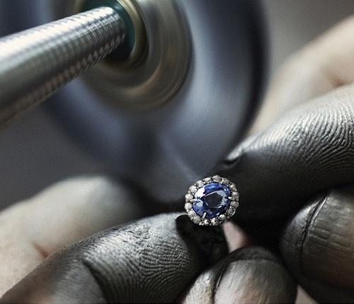 Hochwertige Handarbeit von 21diamonds.de - Individueller Verlobungsring