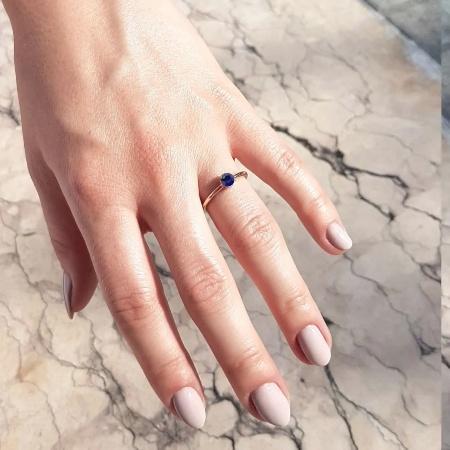 Engagé 0,25 ct. Verlobungsring aus Platin mit Blauer Saphir (0,25 ct.)
